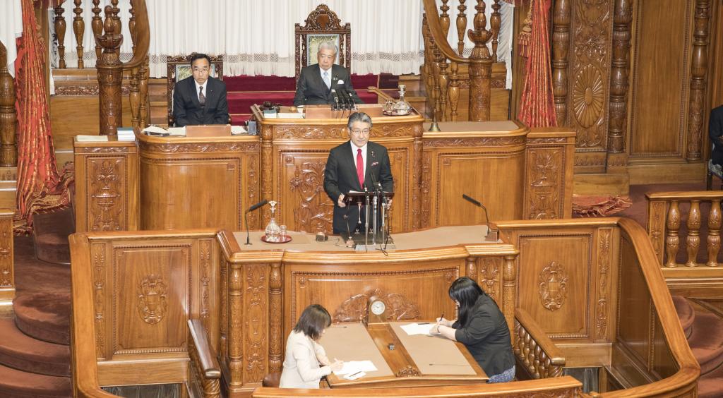 参議院本会議
